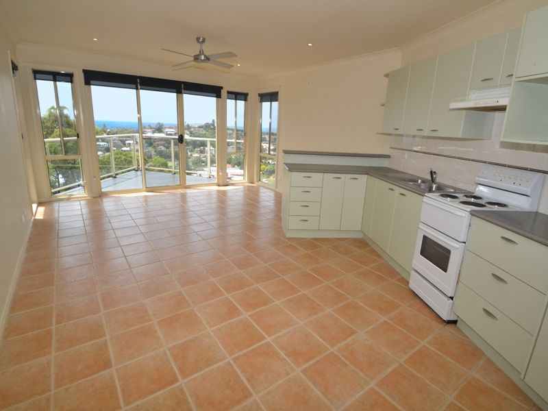 2/26a Grosvenor Road, Terrigal NSW 2260, Image 2