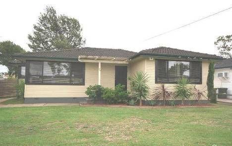 35 Kalora Avenue, Fairfield West NSW 2165, Image 0