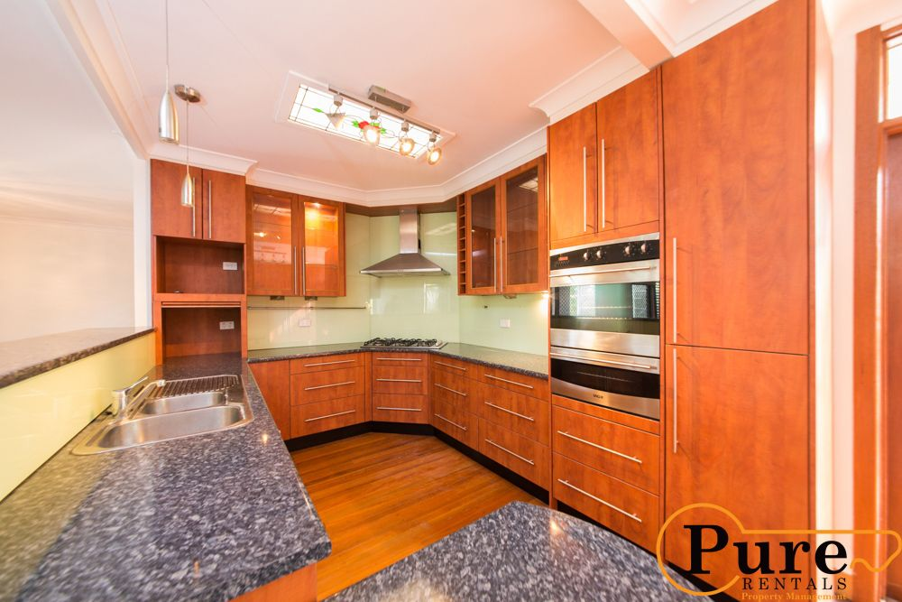 2 Redbourne Street, Chermside West QLD 4032, Image 1