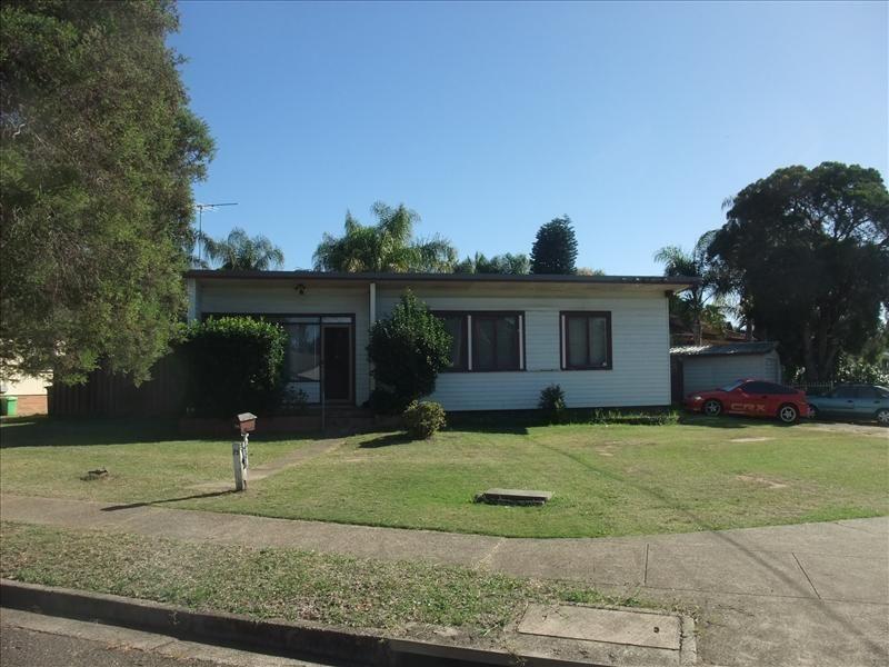 75 Lucena Crescent, Lethbridge Park NSW 2770, Image 0