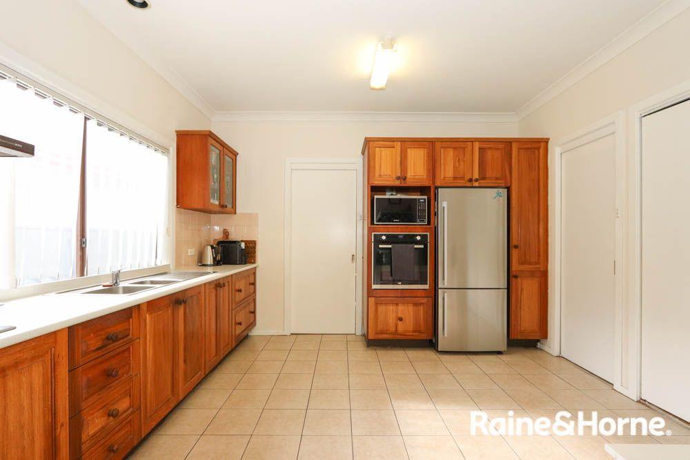 12 Durham Street, Bathurst NSW 2795, Image 2
