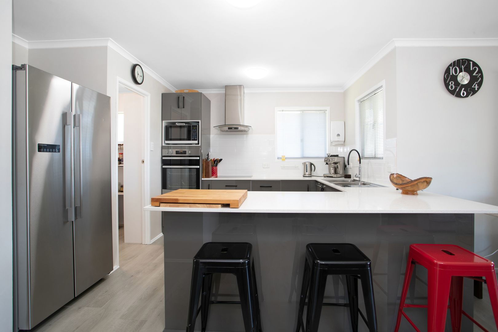 14 Hill Street, Sarina QLD 4737, Image 2