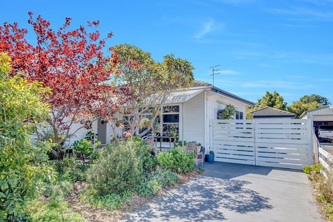 Picture of 38 Camellia Circle, WOY WOY NSW 2256