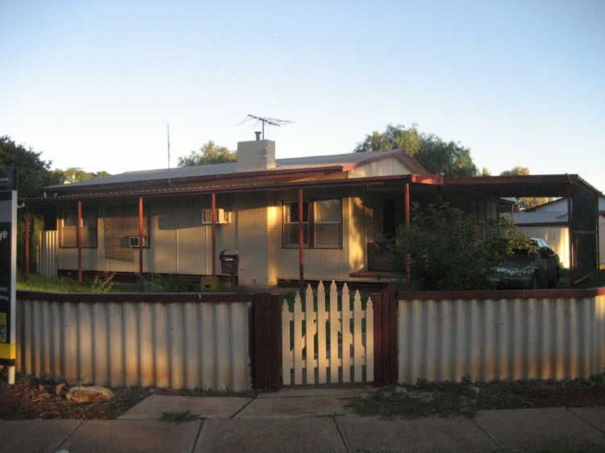 2 Chirton Street, Elizabeth North SA 5113, Image 0