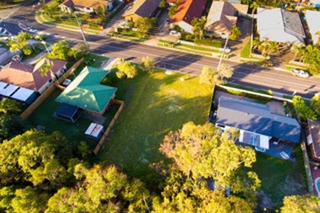 Picture of 121 Amarina Avenue, MOOLOOLABA QLD 4557