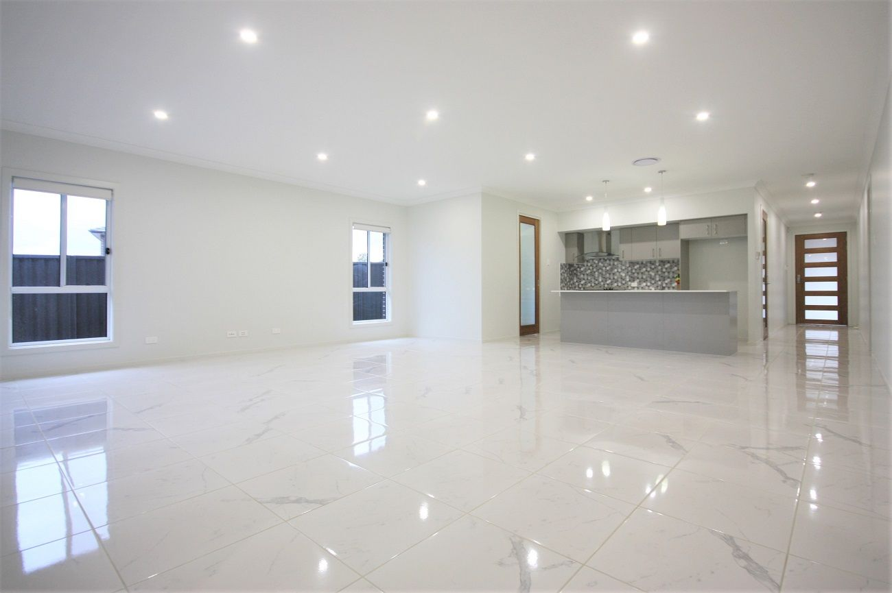 16 Crowley Blvd, Claymore NSW 2559, Image 1