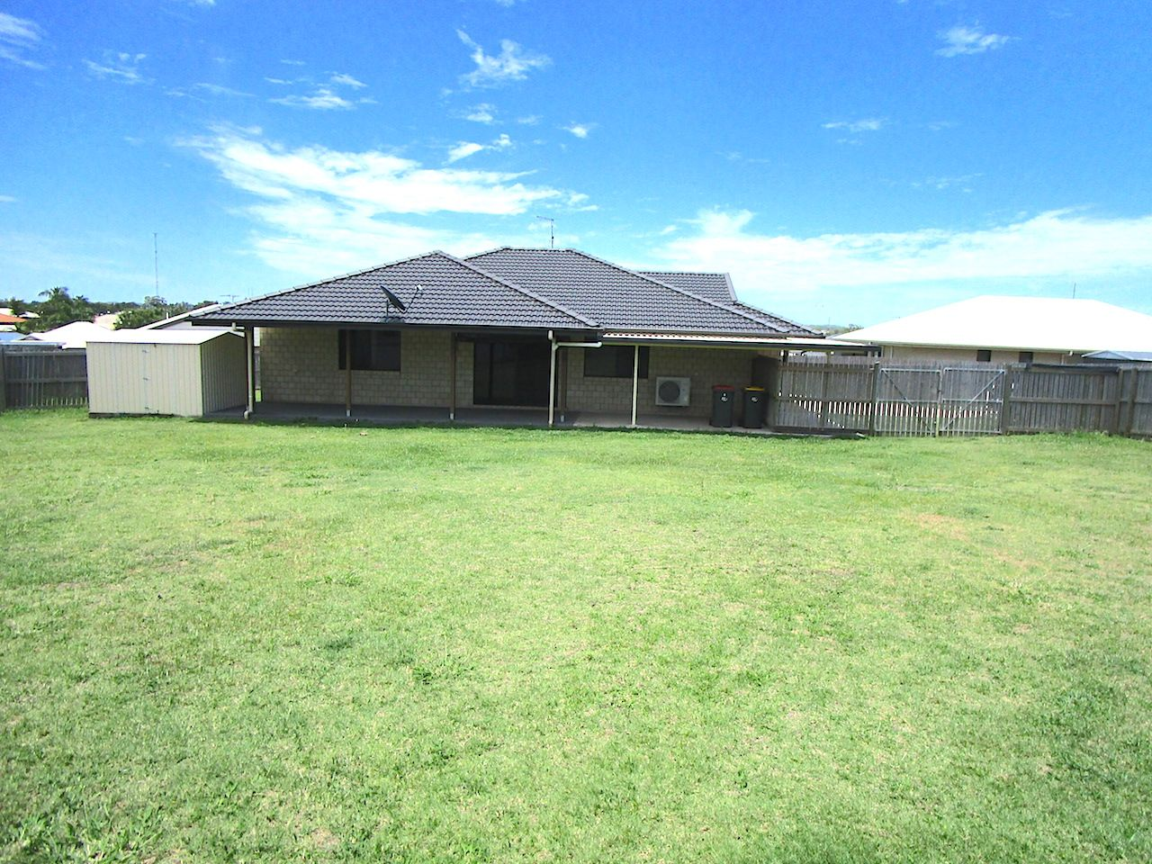 8 Gee Place, Gracemere QLD 4702, Image 2