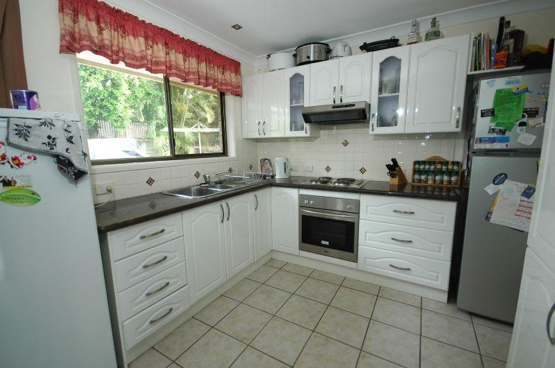 6 Fassifern Street, Durack QLD 4077, Image 2