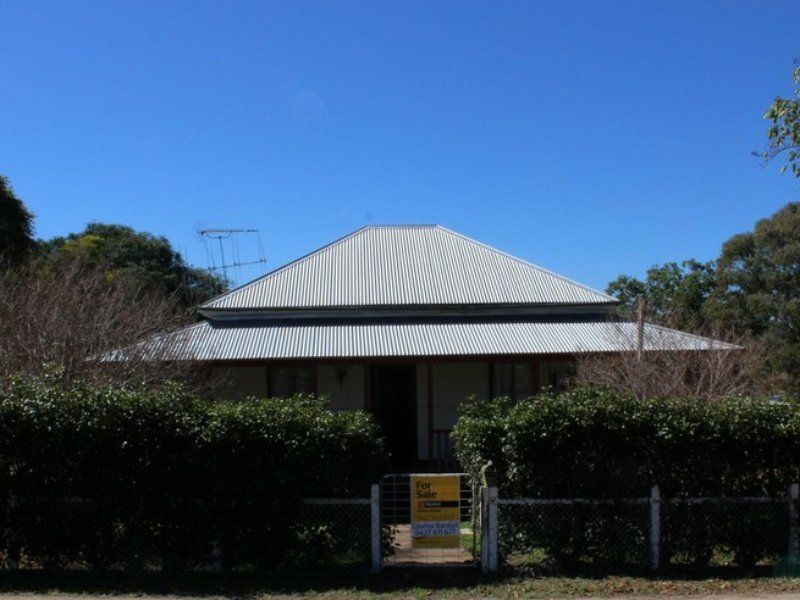 83 Moreton St, Eidsvold QLD 4627, Image 0