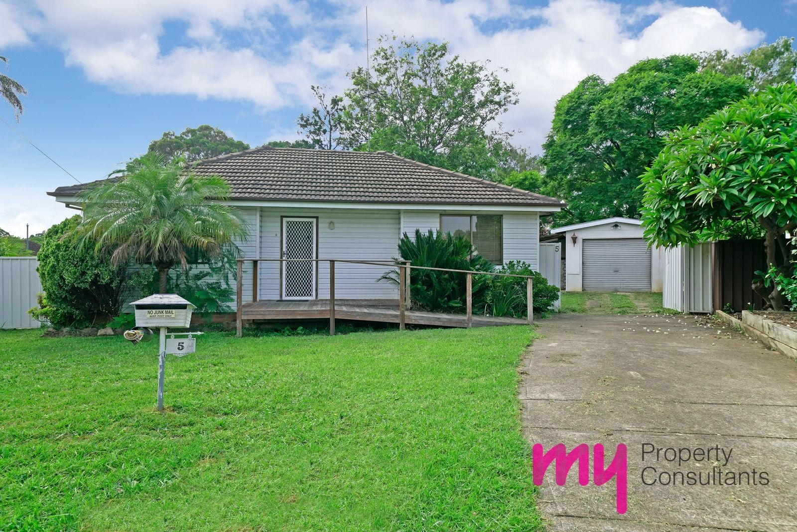 5 Seddon Place, Campbelltown NSW 2560, Image 0