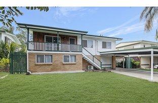 Picture of 27 Stenlake Avenue, Kawana QLD 4701