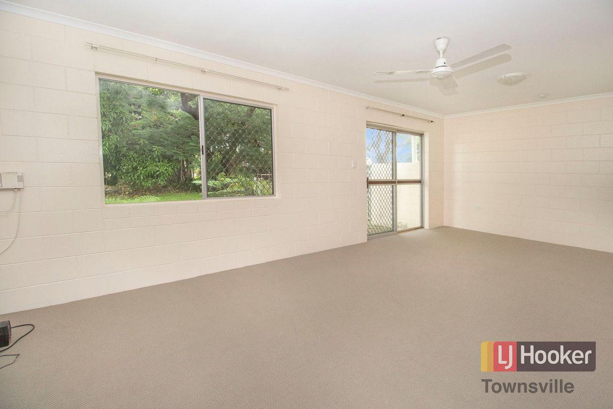 2/67 Love Lane, Mundingburra QLD 4812, Image 2
