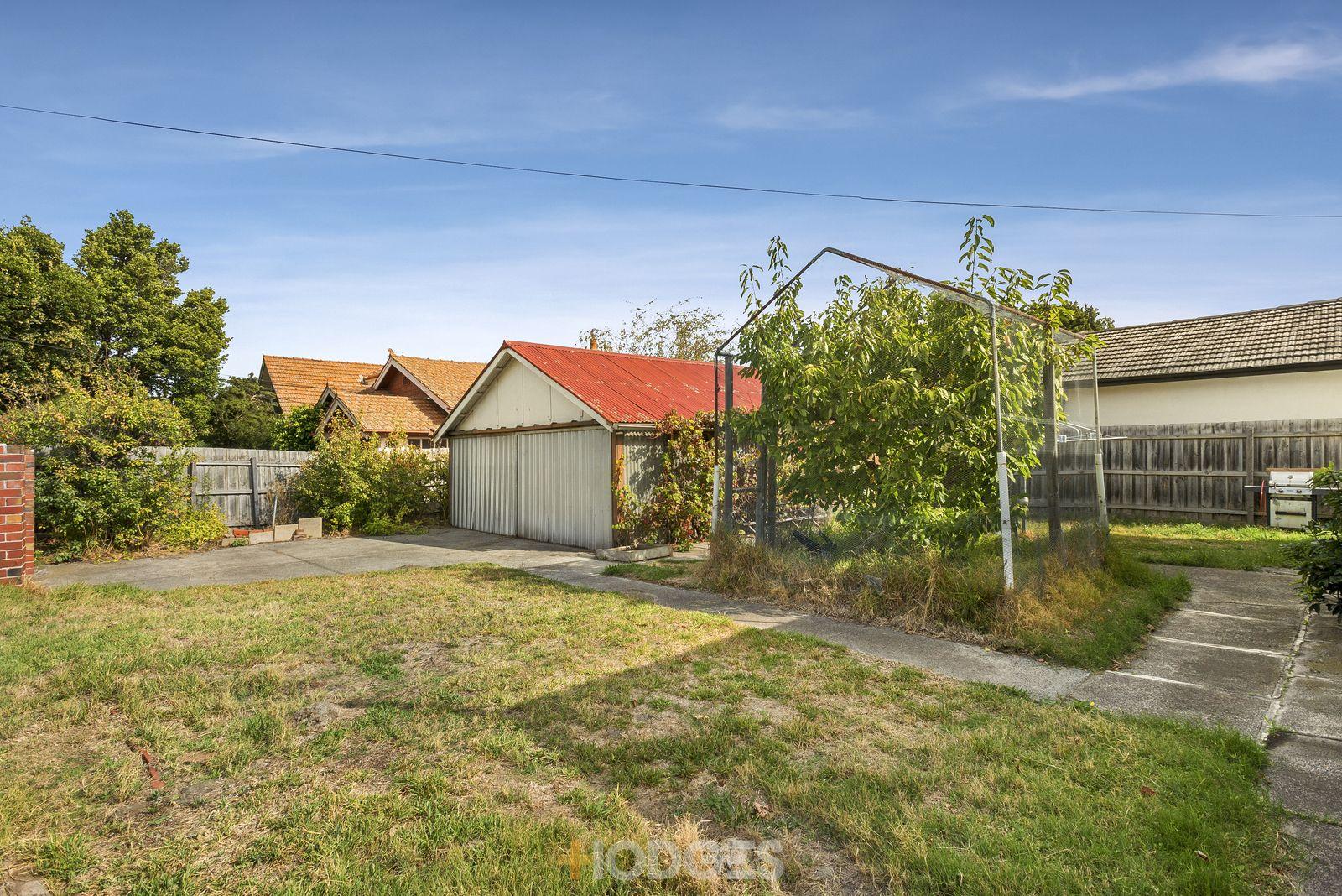 1042 Glen Huntly Road, Caulfield South VIC 3162, Image 2