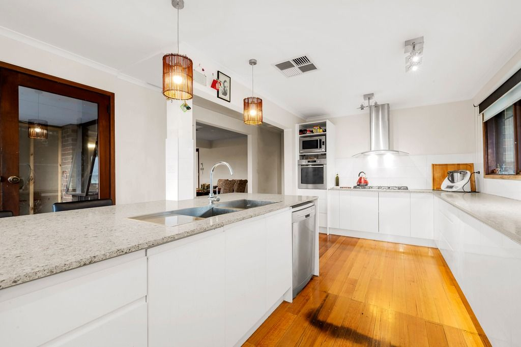 139 Mountain View Road, Briar Hill VIC 3088, Image 1