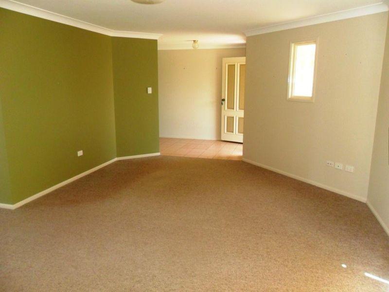 38 Dandelion Drive, Middle Ridge QLD 4350, Image 2