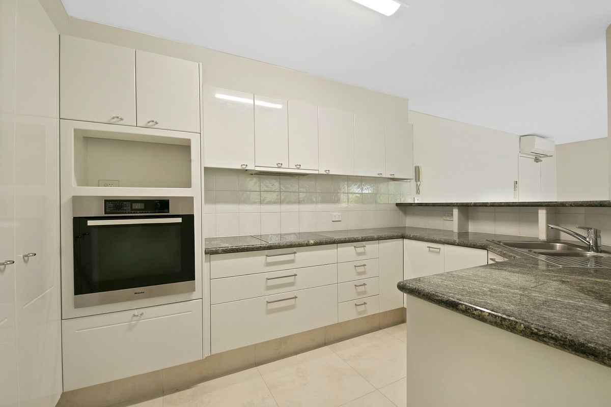 2/16 Bright, Kangaroo Point QLD 4169, Image 2