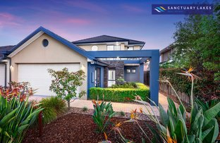 Picture of 15 Lowess Lane, Sanctuary Lakes VIC 3030