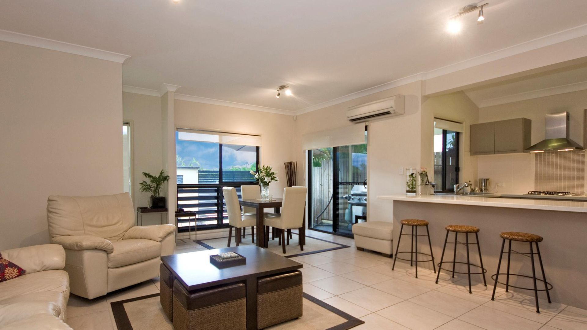 1/9 Curwen Terrace, Chermside QLD 4032, Image 2