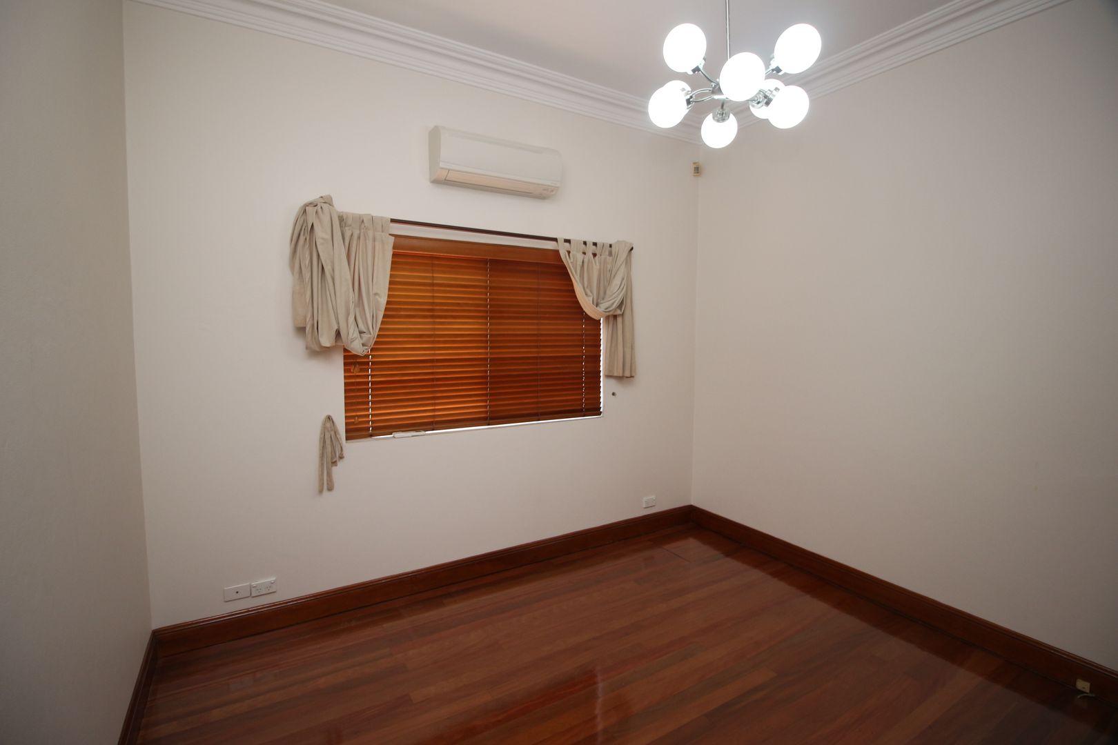 8 Broadford Street, Bexley NSW 2207, Image 2