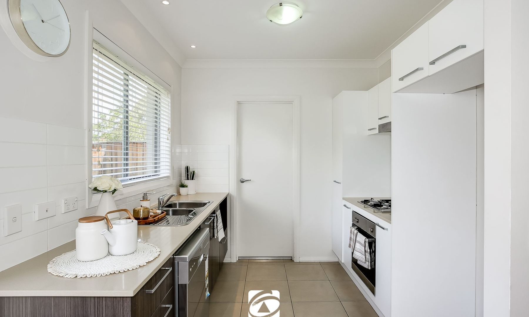 111 Hemsworth Avenue, Middleton Grange NSW 2171, Image 2