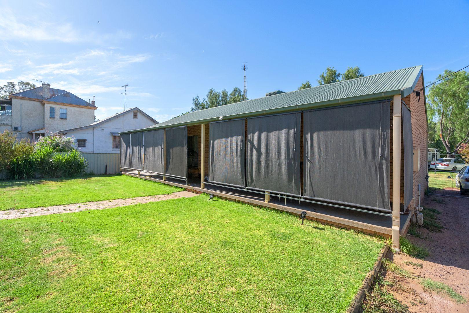 142 Larmer Street, Narrandera NSW 2700, Image 2