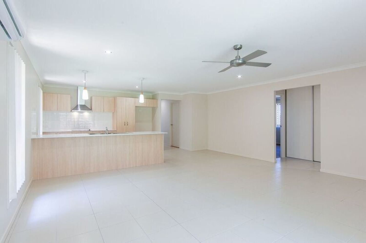 124 Sovereign Drive, Deebing Heights QLD 4306, Image 2