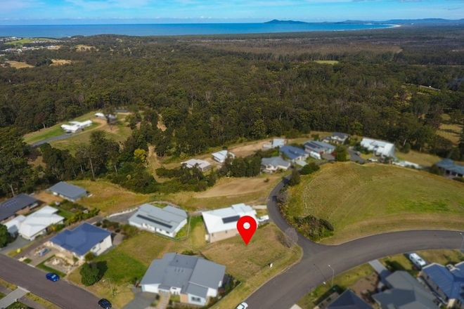 Picture of 25 Azalea Crescent, TALLWOODS VILLAGE NSW 2430