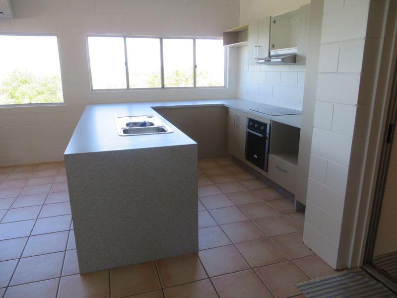 10 Kookaburra Terrace, Wunjunga QLD 4806, Image 1