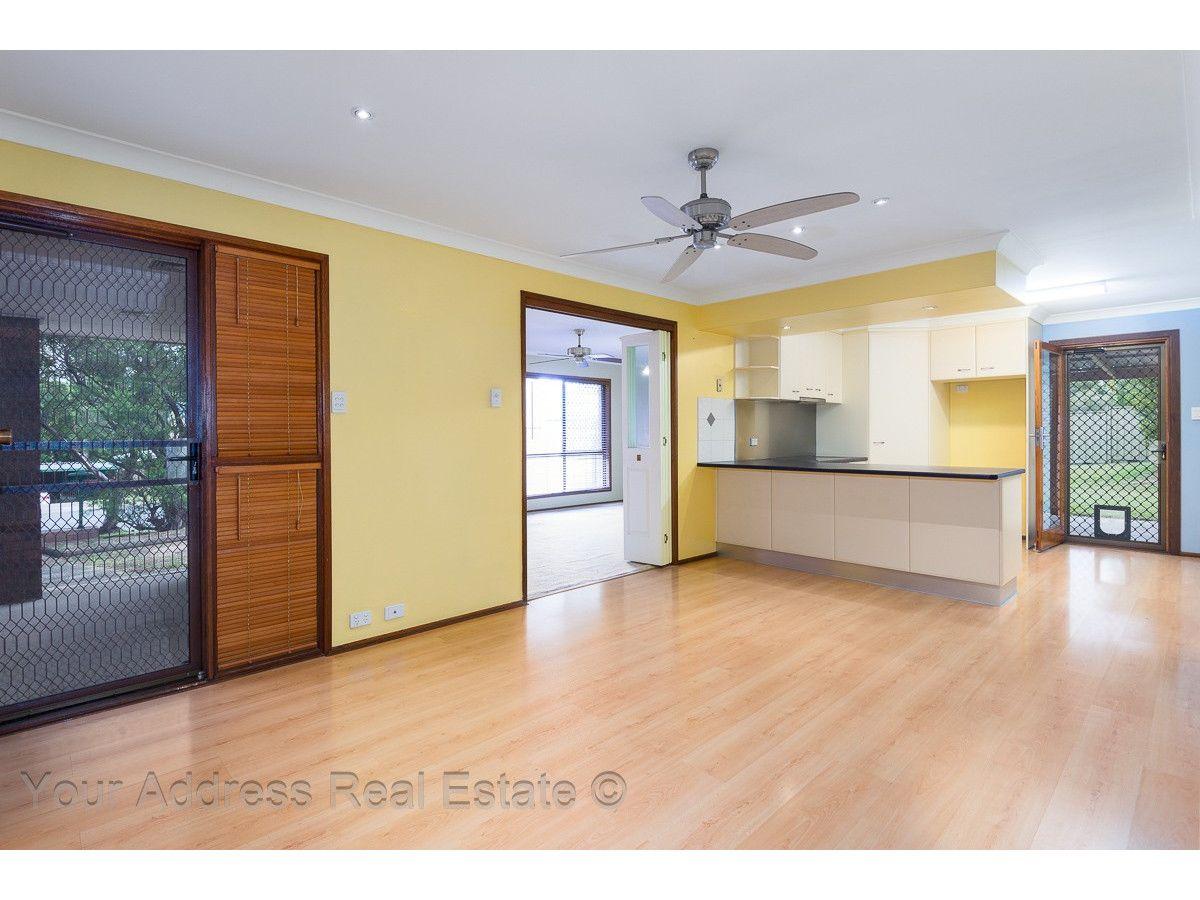 4 Parkland Avenue, Browns Plains QLD 4118, Image 2