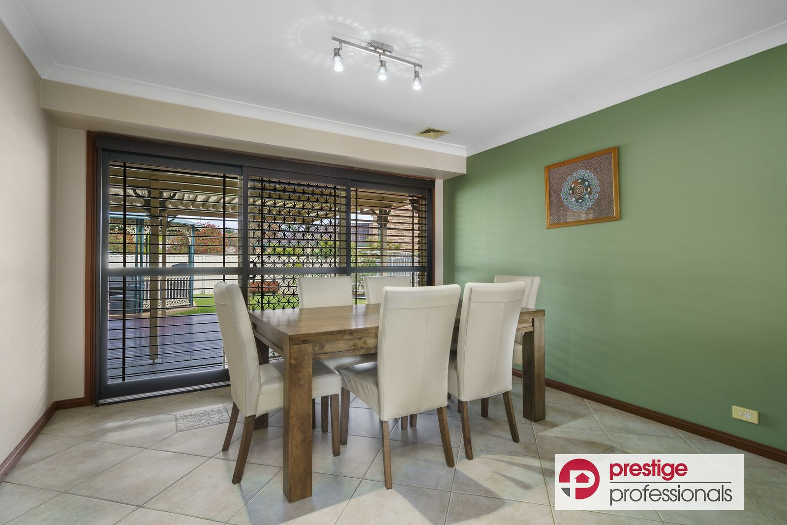 3 Wattle Grove Drive, Wattle Grove NSW 2173, Image 2