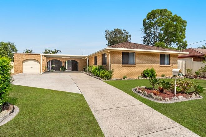 Picture of 31 Shores Drive, YAMBA NSW 2464