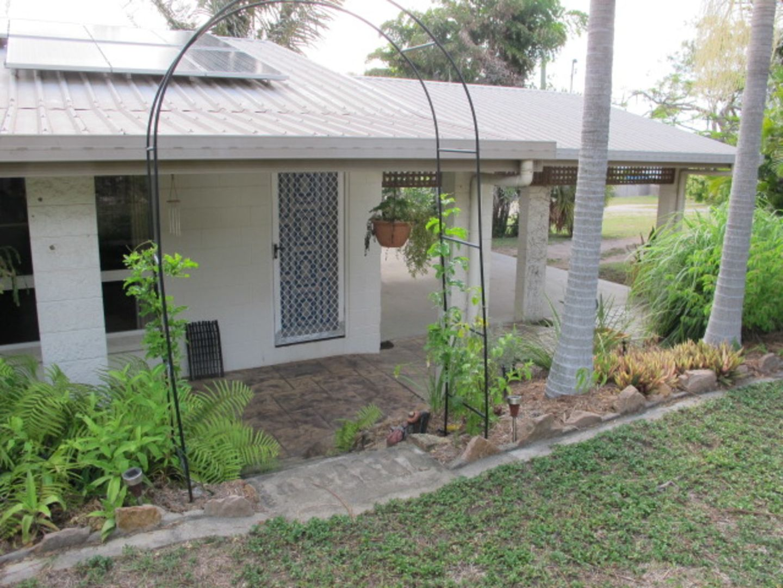 81 Poole Street, Bowen QLD 4805, Image 2