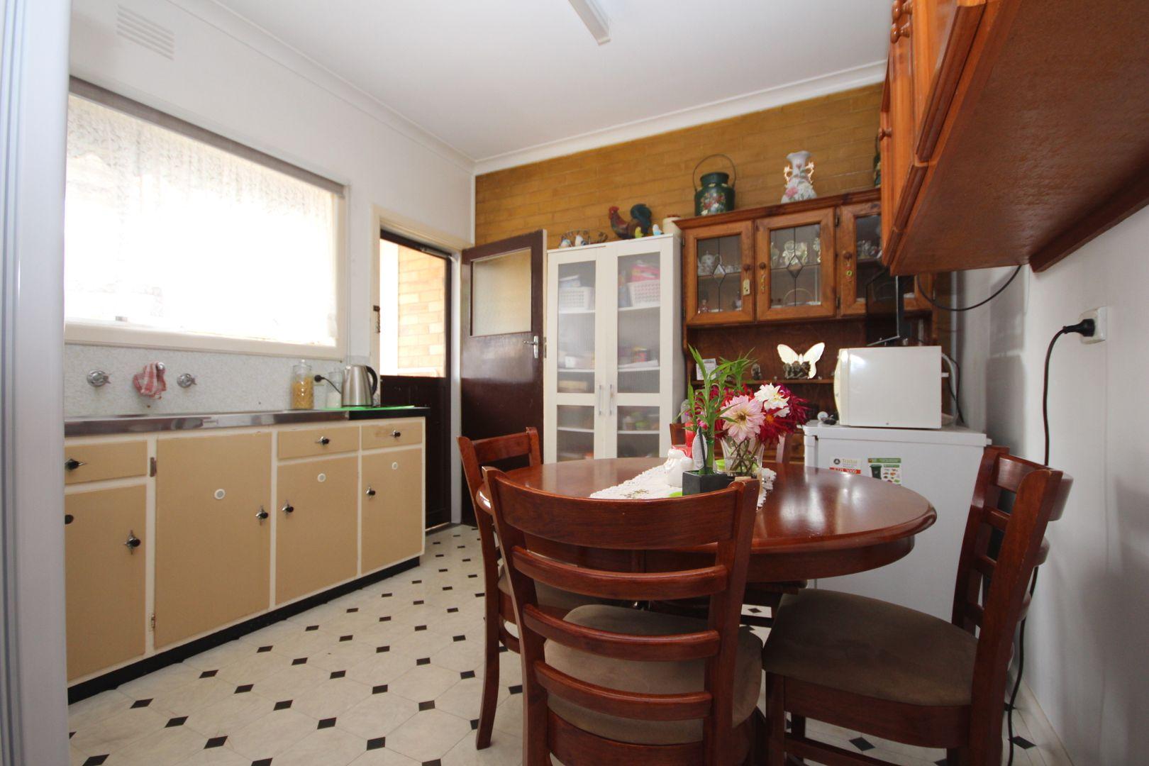 1/8 Gayer Avenue, Wangaratta VIC 3677, Image 2