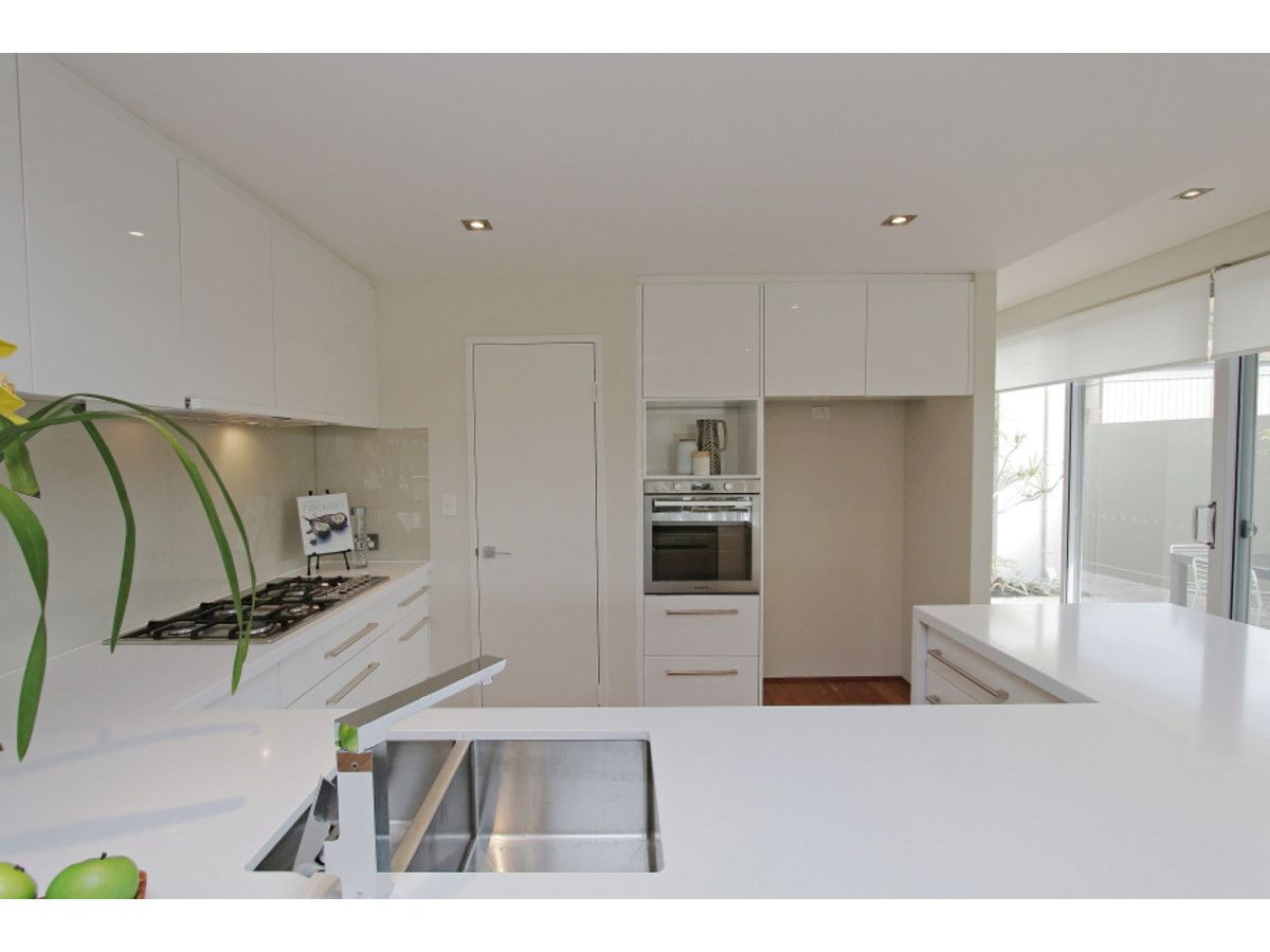 4A Leverburgh Street, Ardross WA 6153, Image 2