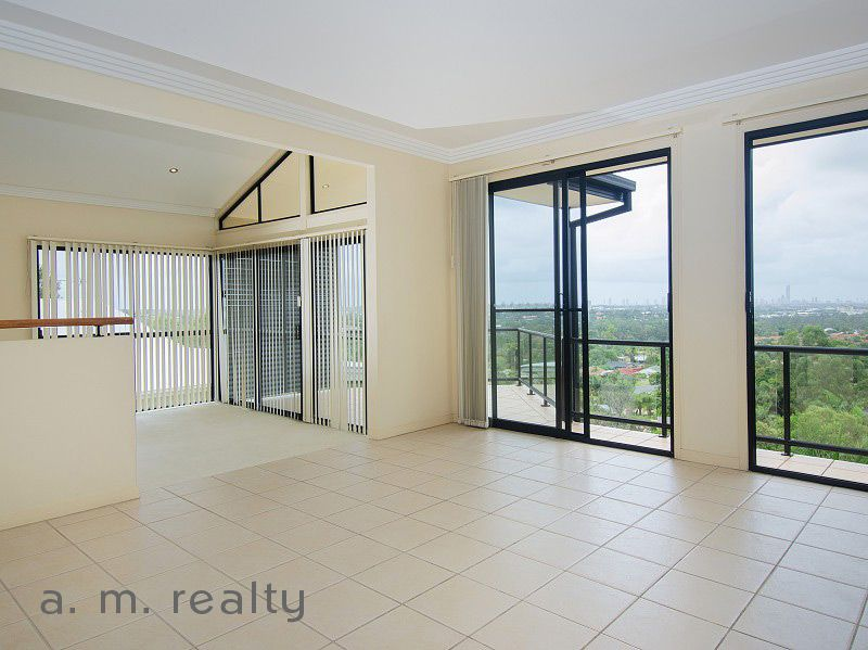 32 Convery Cres, Highland Park QLD 4211, Image 2