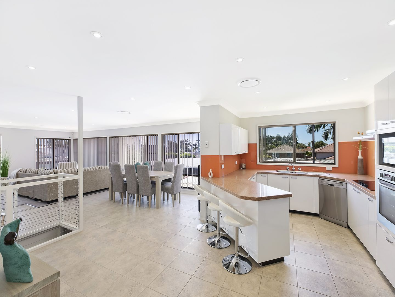 2/99 Pacific  Street, Toowoon Bay NSW 2261, Image 1