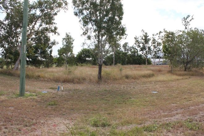 Picture of 2 Doriemus Court, KELSO QLD 4815