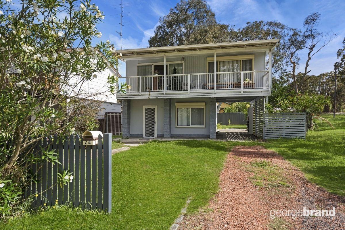 24 Lowana Avenue, Charmhaven NSW 2263, Image 1