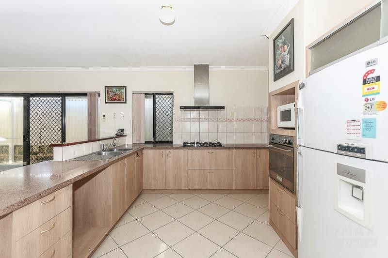 15 Terrigal Pass, Tapping WA 6065, Image 1