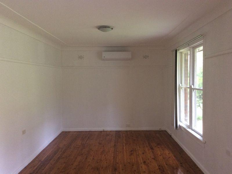 18 Gladys Crescent, Seven Hills NSW 2147, Image 2