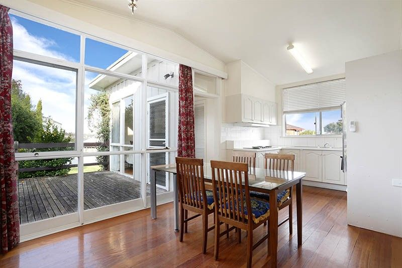 28 Durward Avenue, Glen Waverley VIC 3150, Image 0