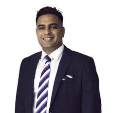 Ravi Kapoor, Sales representative