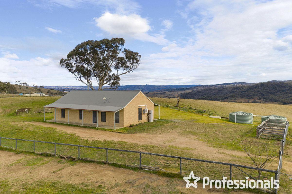 3 Wylchris Lane, Mount Rankin NSW 2795