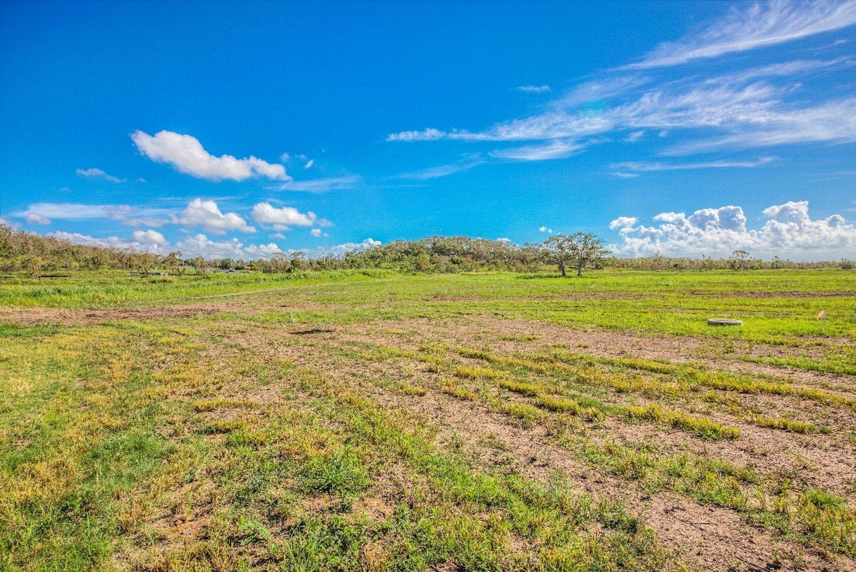 Canomie Park Kinka Beach Road, Tanby QLD 4703, Image 2