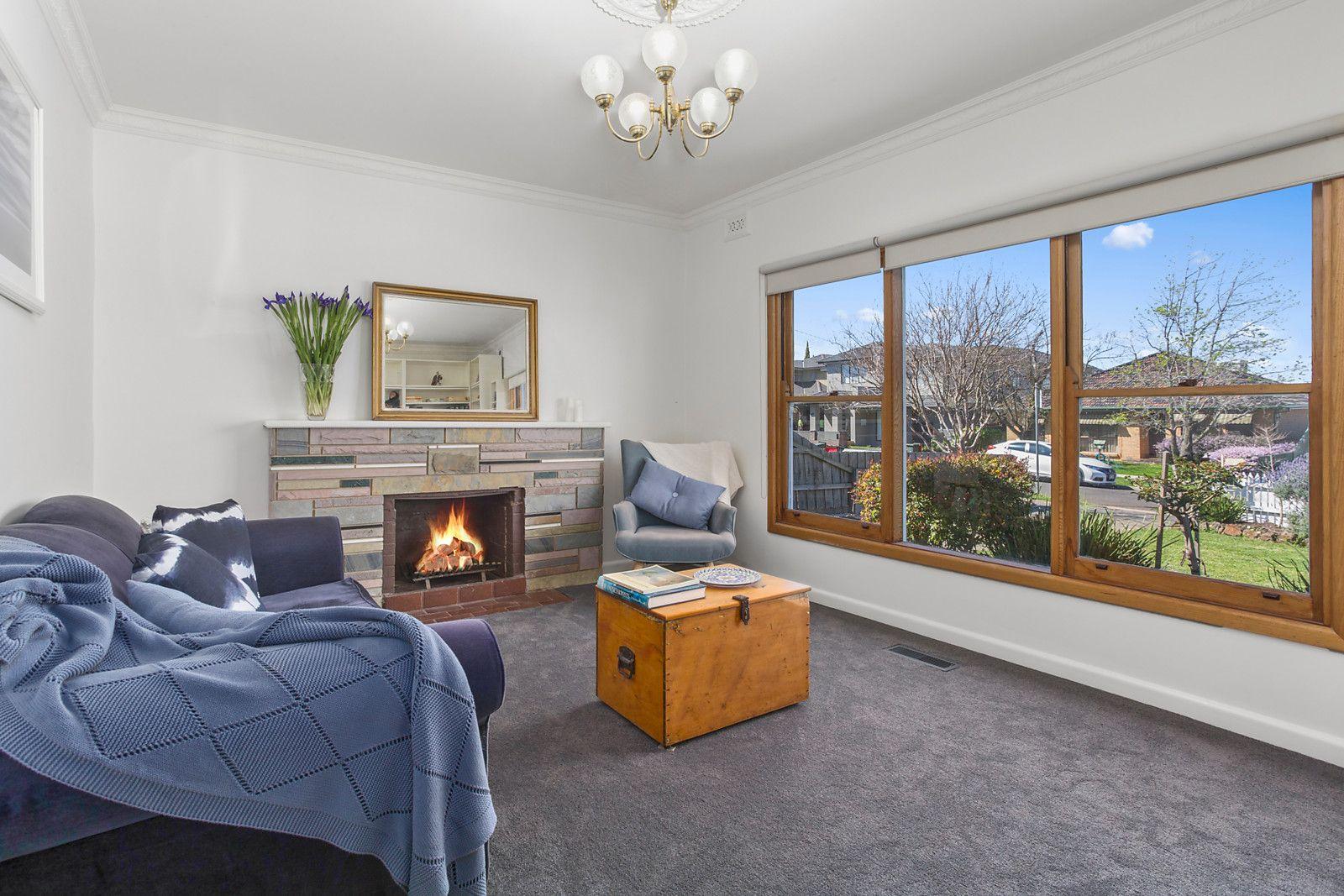 13 Sapphire Street, Essendon West VIC 3040, Image 1