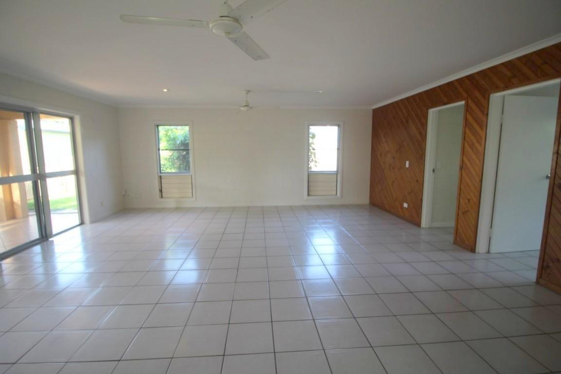 26 Cutten Street, Bingil Bay QLD 4852, Image 2