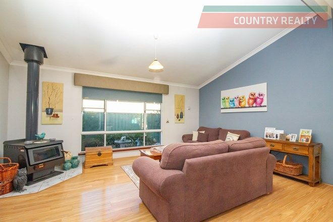 Picture of 19 Brooking Street, BEVERLEY WA 6304