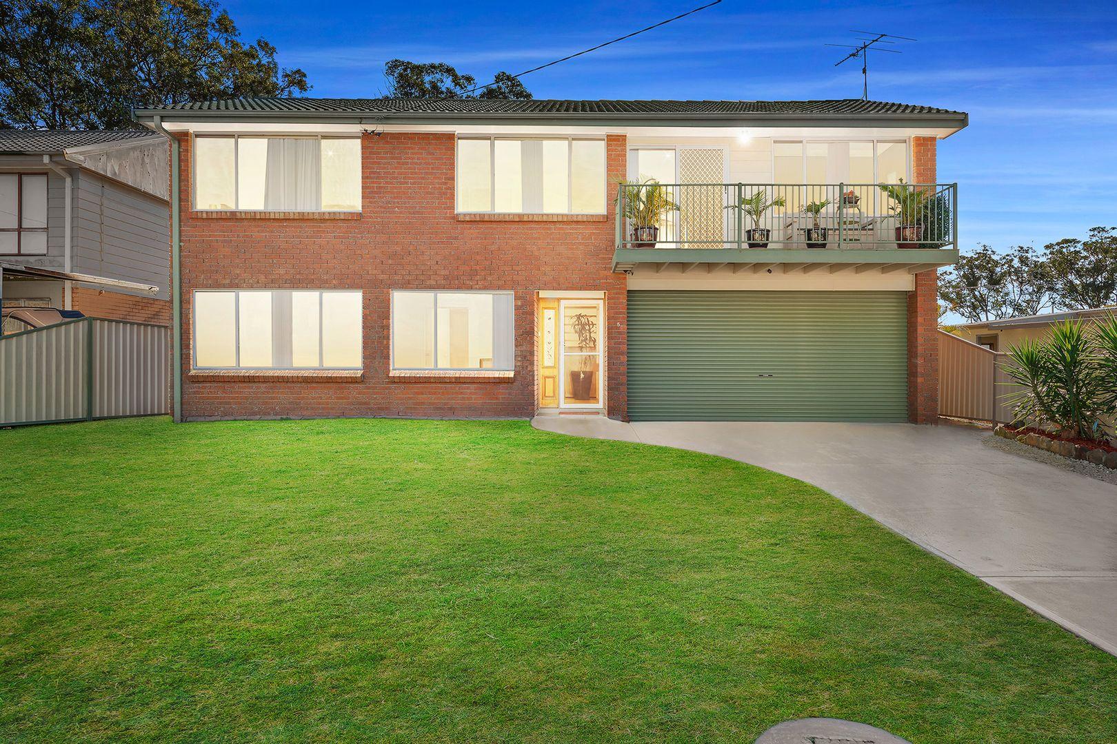 5 Famata Avenue, Blue Haven NSW 2262, Image 0