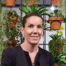 Samantha Kominkovski, Sales representative