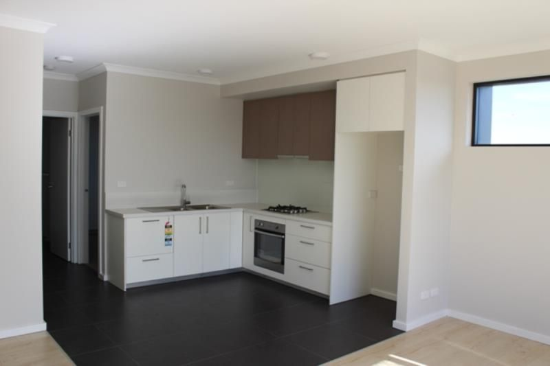 Apartment 8, 1B Victoria Street, Rippleside VIC 3215, Image 2